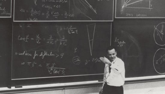Richard Feynman teaches a special lecture on March 13, 1964. Energy.gov/Flickr. United States government work.