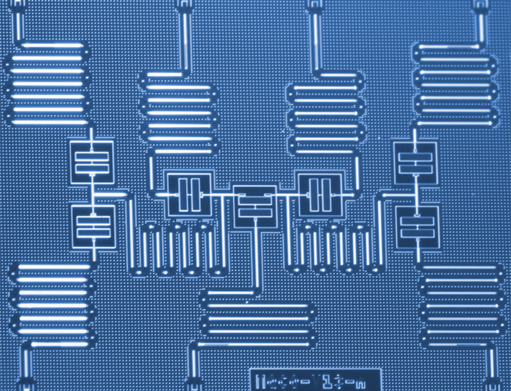 Prototype quantum computer gives small molecule quantum simulation